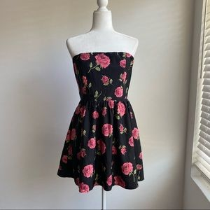 💖Forever 21 Strapless Mini Dress w Pockets Size L